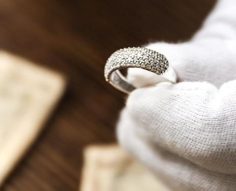 Jewellery repair shop