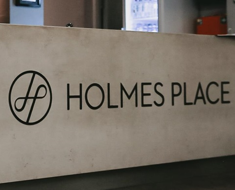 WEB-Holmes-Place-Position-2