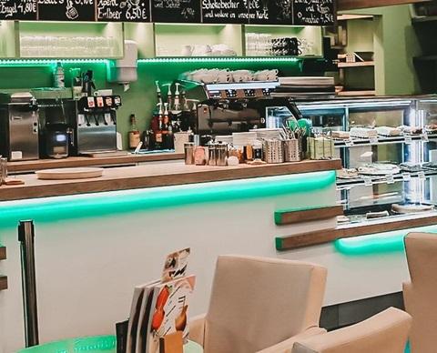 Cafe der sachsischen Eismanufaktur_1920x580 CGD-min