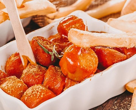 Currywurst CGD-2-min