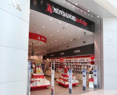 mondadori-bookstore-546