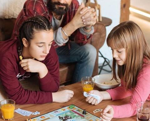 Familie som spiller_1920x580