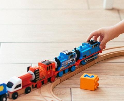 Train-1920x580