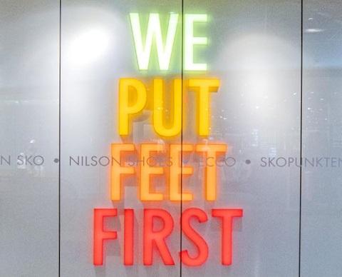We_put_feet_first
